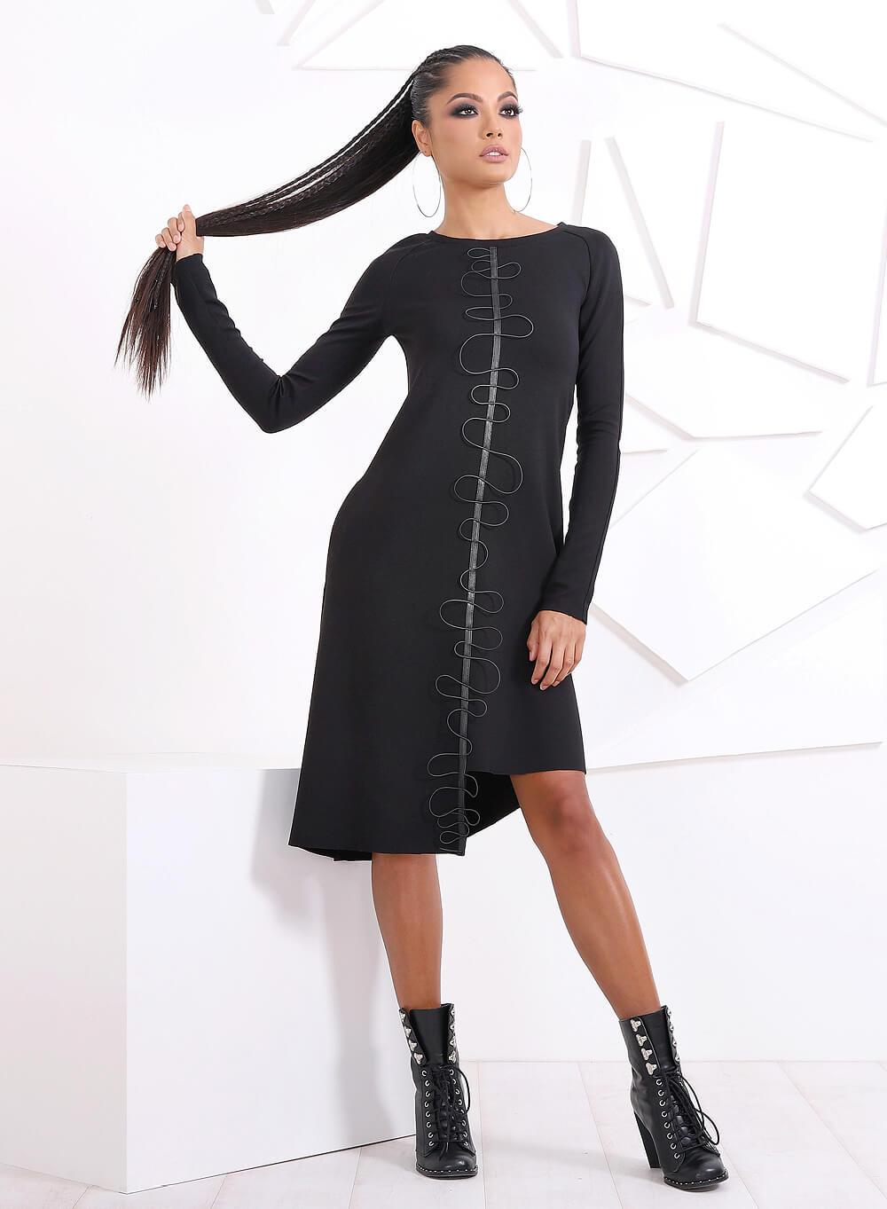 """Асиметрична рокля """"Bellucci"""" с атрактивна апликация"""