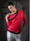 Блуза с голо рамо от рипс в цвят циклама и акцент от дантела  - 1