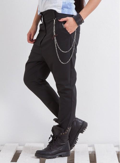 """Панталон """"Грейс"""" с метален аксесоар в черно"""