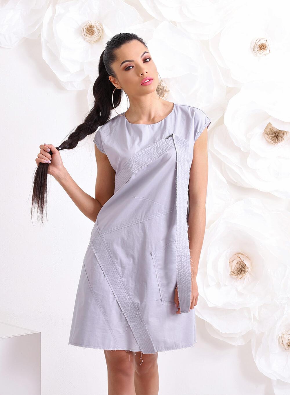 """Екстравагантна рокля """"AVA"""" с умишлено необработени шевове"""