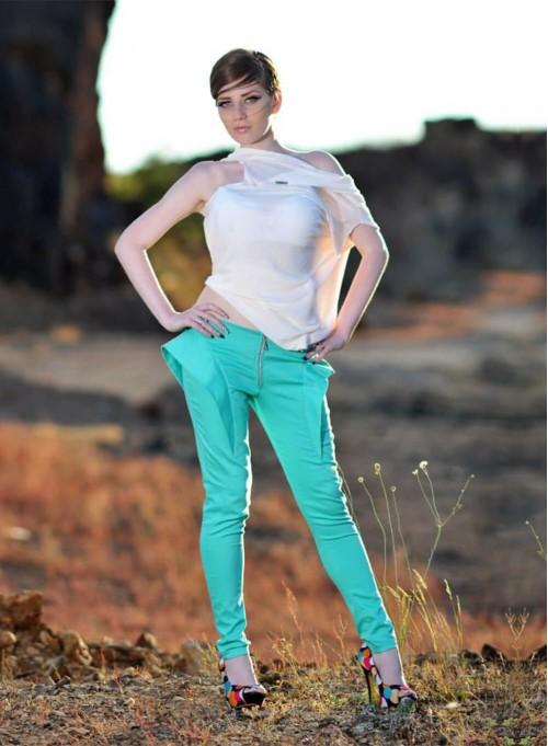 "Панталон ""Wings"" в свеж цвят"
