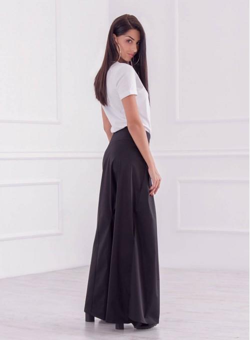 Пола-панталон в черно със свободен силует