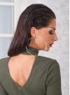 Блуза в пастелно зелено с метален аксесоар и V-образен гръб - 1