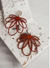 """Обеци """"Floral"""" от естествена кожа в цвят брик и дърво"""
