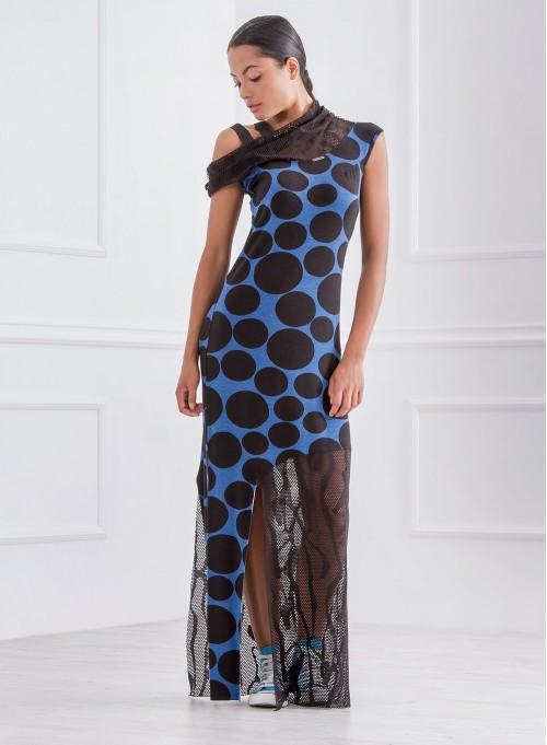 Дълга рокля на сини точки с акценти от мрежа в горна и долна част