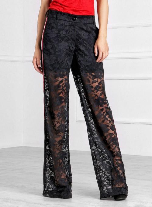 Панталон от черна дантела с трицветен кант