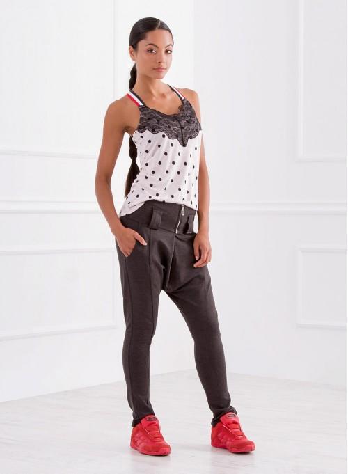 Спортен панталон в меланжирано сиво с широк колан и малък цип отпред